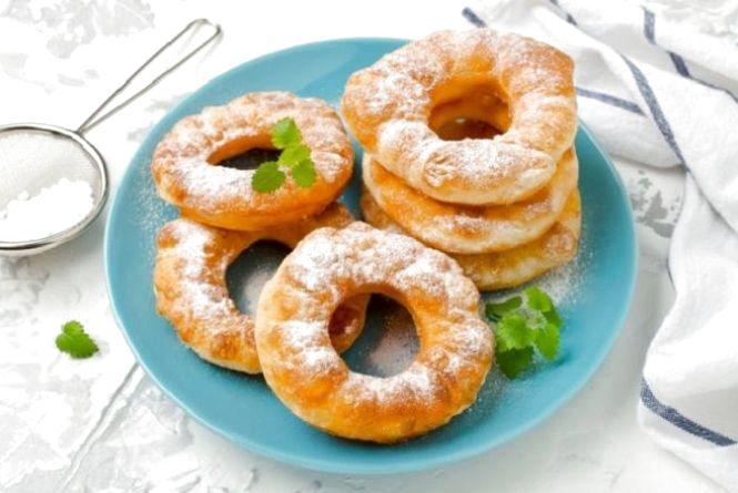 Смачний сніданок: готуємо кільця із сирного тіста