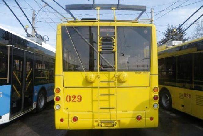 Від завтра, 12 листопада, тролейбуси на чотирьох маршрутах у Хмельницькому припинять роботу
