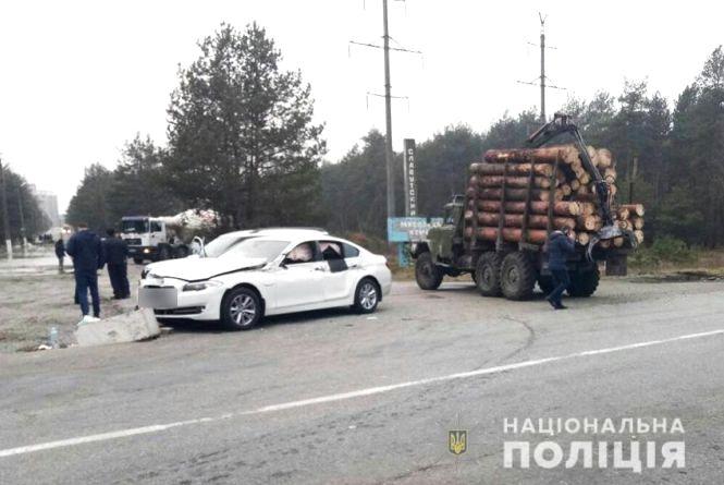 """Біля Славути """"BMW"""" влетів у """"Skoda"""": постраждав 65-річний водій"""