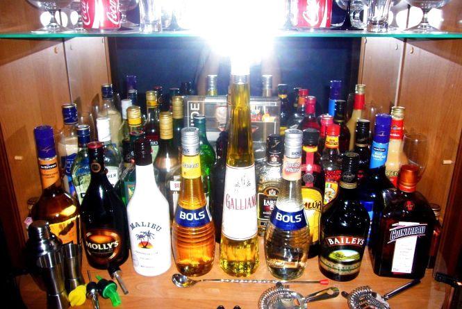 """У шести магазинах Хмельницького знайшли """"лівий"""" алкоголь"""