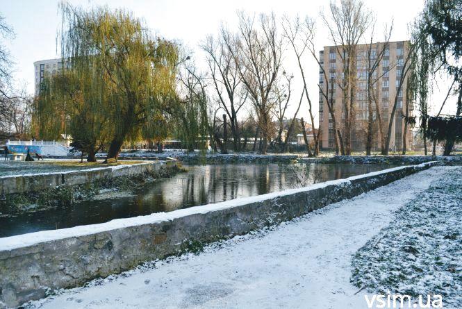 Парк Чекмана вкрило першим снігом (ФОТО)