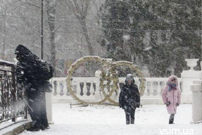 Сніг, ожеледиця та до -10: складний тиждень обіцяють синоптики хмельничанам