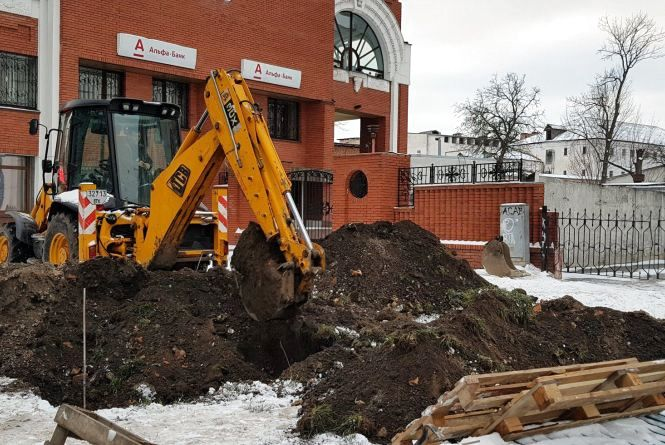 Туалет за 950 тисяч: у центрі Хмельницького будують нову вбиральню