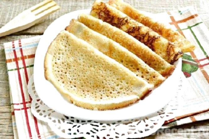 Смачний сніданок: готуємо млинці на майонезі