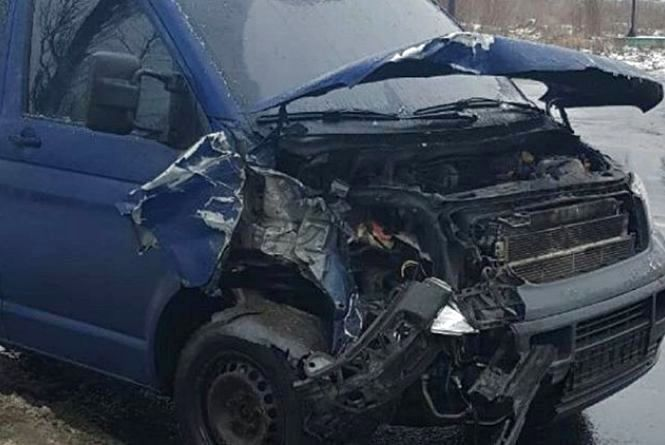 Травмована жінка та маршрутка без колеса: хроніка ДТП у Хмельницькому