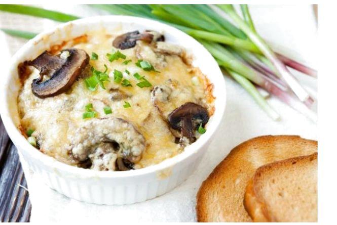 Смачний сніданок: готуємо жульєн із грибів
