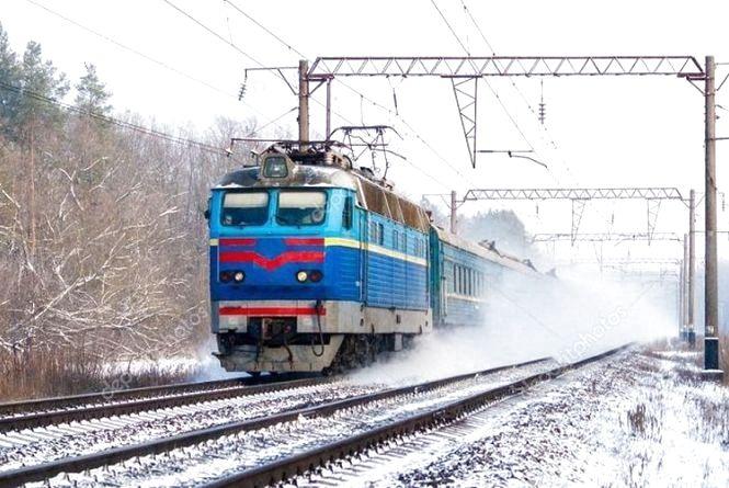 """""""Укрзалізниця"""" призначила до свят п'ять додаткових потягів через Хмельницький: куди можна доїхати"""