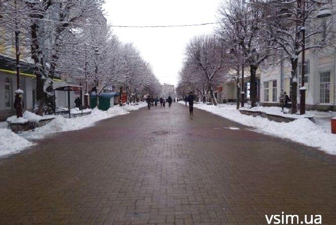 Трішки снігу та кусючий мороз: прогноз погоди у Хмельницькому на 18 грудня