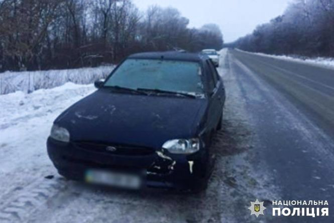 Побили та засунули у багажник: на Хмельниччині бандити викрали авто разом із водієм