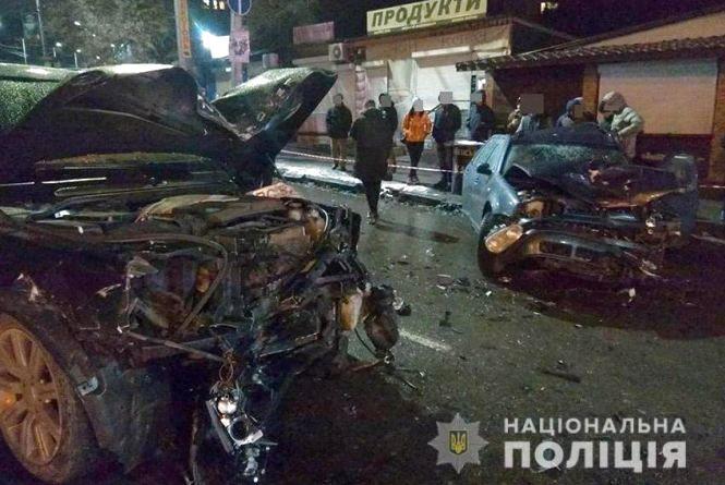 """П'яний водій """"Range Rover"""", чотири побиті авто та двоє постраждалих - деталі масової ДТП у Хмельницькому"""