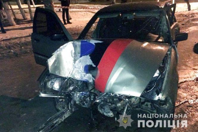 """З понівеченого """"BMW"""" водія діставали шепетівські рятувальники"""