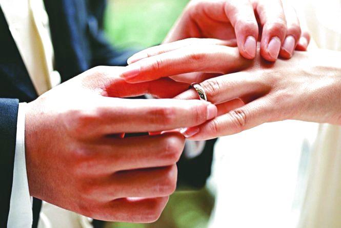 Ювілейна церемонія: хмельничани зможуть повторно одружитися без розлучення