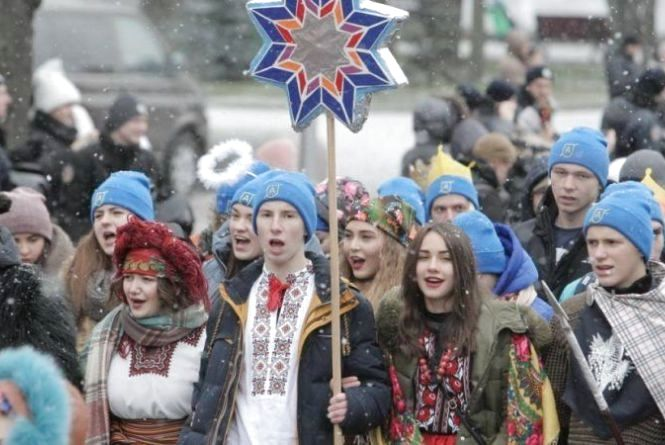 Різдвяний флешмоб: хмельничани разом з іншими містами одночасно заспівають колядку