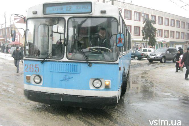Більше тижня Тернопільською не їздитимуть тролейбуси та маршрутки