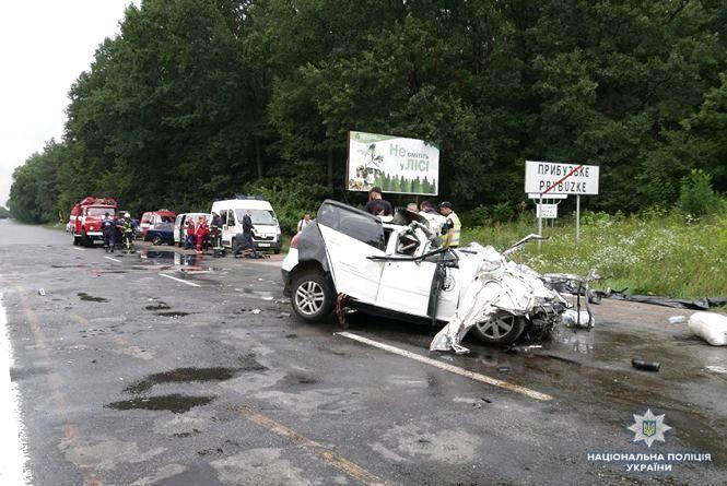 За останні 13 років на дорогах України загинули майже 70 тисяч людей (ІНФОГРАФІКА)