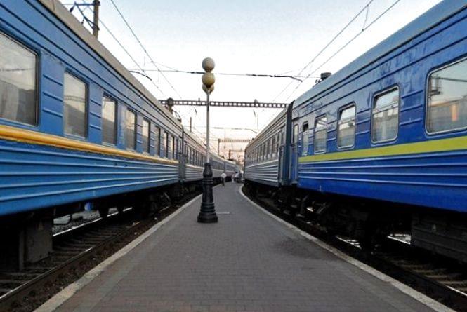 У березні через Хмельницький курсуватимуть додаткові потяги