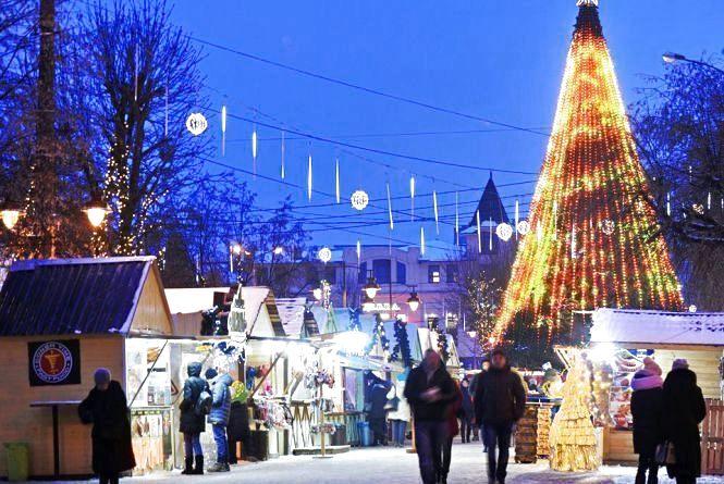 """Хмельницька міськрада задоволена """"Різдвяним ярмарком"""". А ви?"""