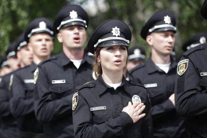 У Хмельницькому триває набір до поліції: шукають 14 патрульних