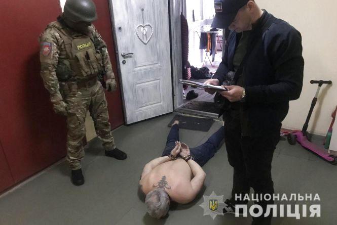 На Хмельниччині затримали столичну банду розбійників, яку розшукували три роки