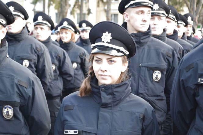 Шукають 10 патрульних: кожен другий кандидат - жінка