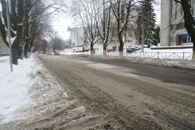 Похолодання та сніг: прогноз погоди у Хмельницькому на тиждень