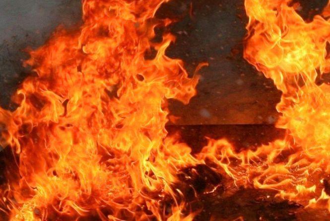 На одній з трансформаторних підстанцій у Хмельницькому сталася пожежа