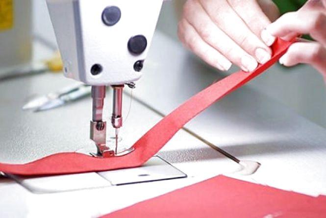 """""""Бізнес у тіні"""": підпільну швейну фабрику виявили на Хмельниччині"""