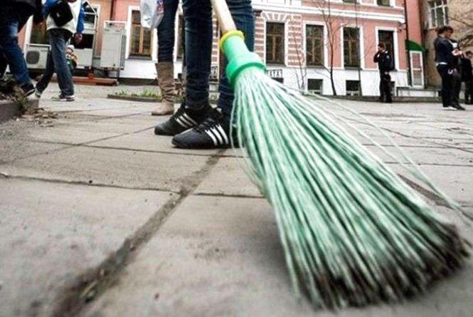 Неплатник аліментів з Полонного відроблятиме борг на суспільних роботах