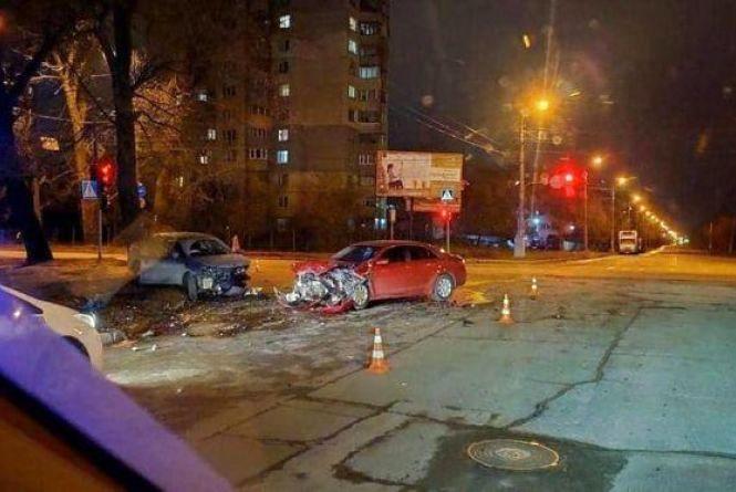 Потрійні аварії та смерть велосипедиста: хроніка ДТП у Хмельницькому