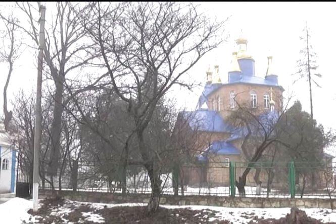 До Православної церкви України приєдналася ще одна громада на Хмельниччині