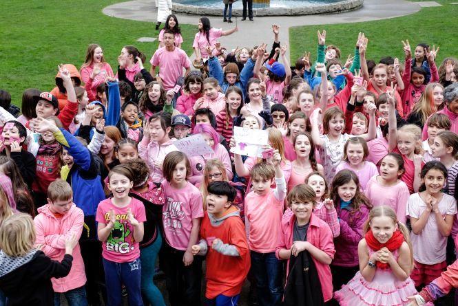 Хмельницькі школярі проведуть «рожеву» акцію проти булінгу
