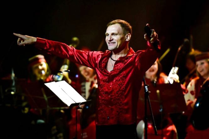 Олег Скрипка і НАОНІ оркестра запалять у Хмельницькому