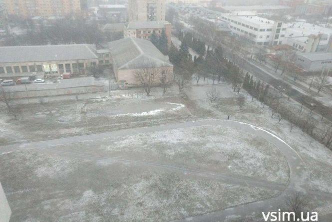 Зима повертається: до України прийде похолодання зі снігом