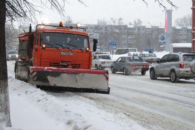 Хмельниччину засніжило: як розчищають дороги в області