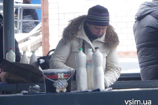 Скільки коштують молоко, сир та сметана у Хмельницькому