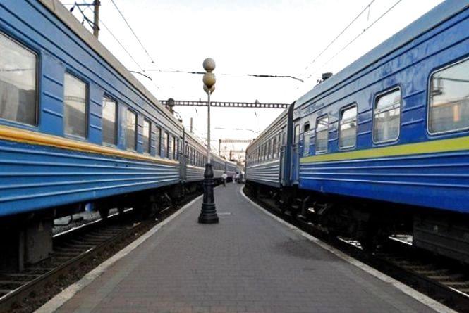 До 8 березня призначили 7 додаткових поїздів через Хмельницький