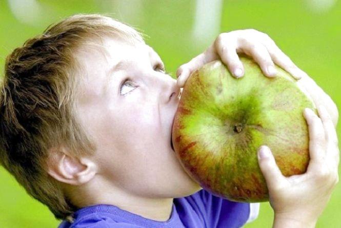 Чому варто щодня їсти яблука - поради МОЗ