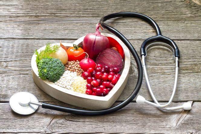 Менше жиру, більше овочів: українцям назвали ТОП-5 харчових звичок для здорового серця