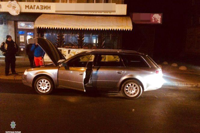 "У Хмельницькому попався водій ""Audi"" з фальшивими документами"