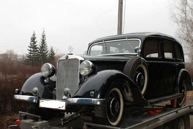 Справжній раритет. Колекційний Mercedes 1938 року засвітився у Хмельницькому