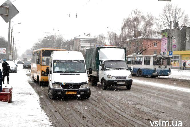 У Хмельницькому призначили перевізників на десять маршрутів