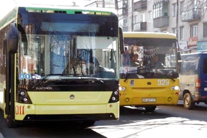 У хмельницьких тролейбусах рахуватимуть пасажирів. Що може змінитися