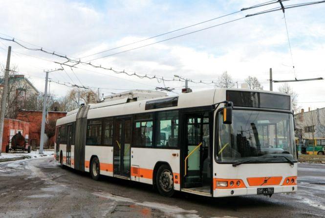 Хмельничанин Віталій пропонує придбати вживані тролейбуси з Австрії