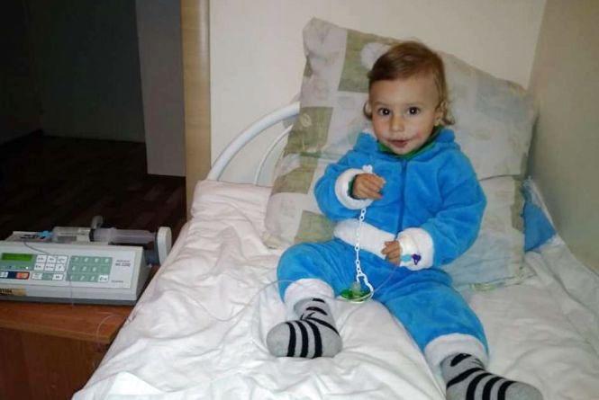 Маленькому Іллі потрібна пересадка кісткового мозку: батьки просять допомоги у хмельничан
