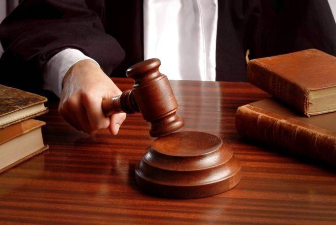 """Нетішинський суд відправив за ґрати крадійку зі """"стажем"""""""