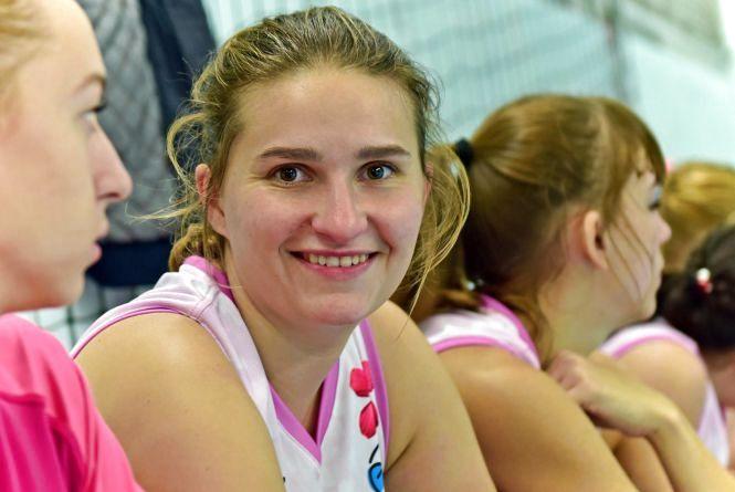 """""""Баскетбол - це моє життя"""": історія успіху хмельницької спортсменки із характером переможця"""