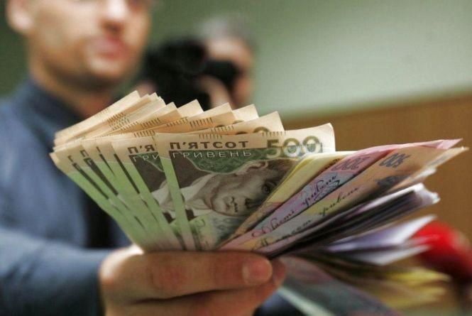Як змінювалася середня заробітна плата на Хмельниччині (ІНФОГРАФІКА)