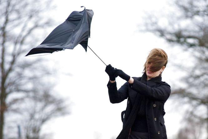 На вихідні у Хмельницькому оголосили штормове попередження