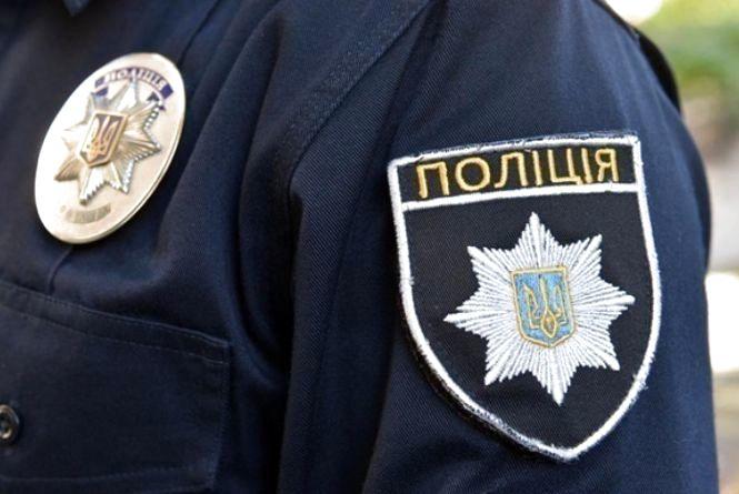 Поліцейський з Києва за один день придбав у хмельничанки майна на 1,66 мільйона гривень