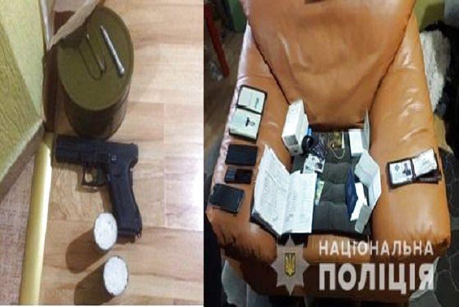 """У Хмельницькому судитимуть 28-річного шахрая, який """"розвів"""" чоловіка на 1,5 мільйона гривень"""